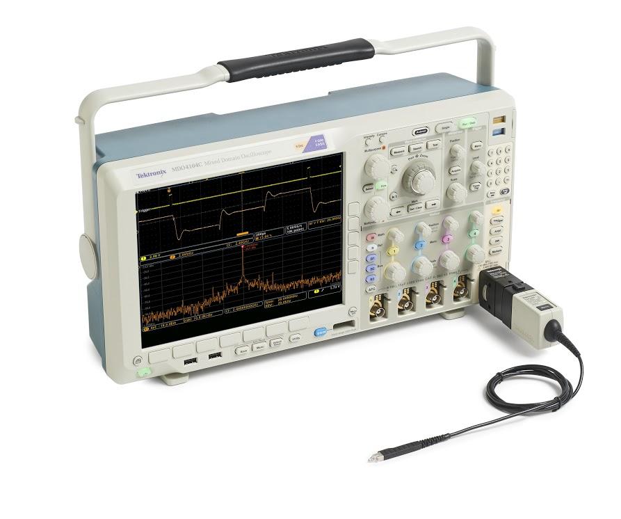 Осциллограф смешанных сигналов MDO4104C - Вид с подключенным анализатором спектра